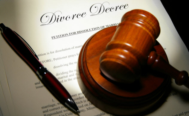 10-divorce-137054253